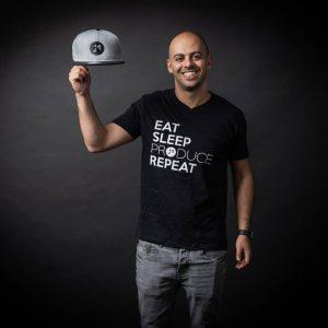 די ג'יי אסף עמוס מנהל מגמת DJ
